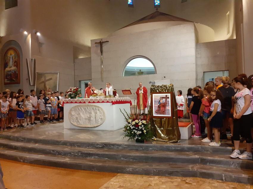 L'acquatinta di Sant'Elena esposta nella celebrazione del Vescovo Delpini (2019)